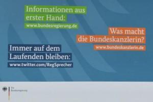 Was macht die Bundeskanzlerin - Plakat am BPA - Foto © Gerhard Hofmann Agentur Zukunft 20140129
